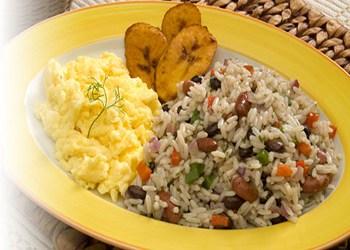 Gastronomia de Costa Rica, gallo pinto desayuno típico