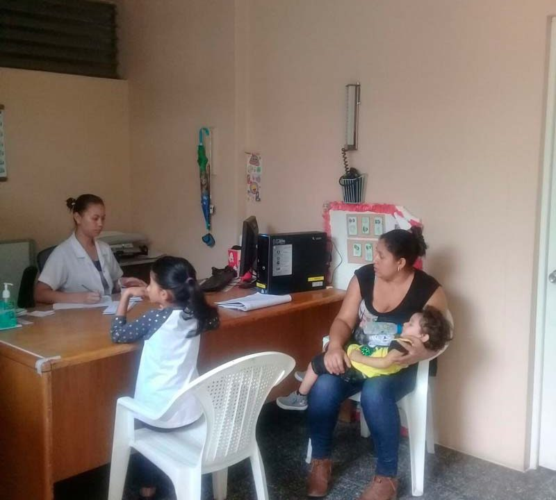 ongvoluntariado-voluntariado-internacional-socio-sanitario-en-consultorio-medico-en-Nicaragua